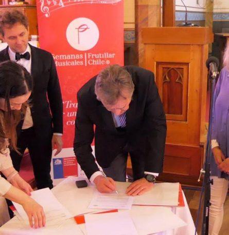 Frutillar firma compromiso de cooperación artístico – cultural con la ciudad polaca de Katowice
