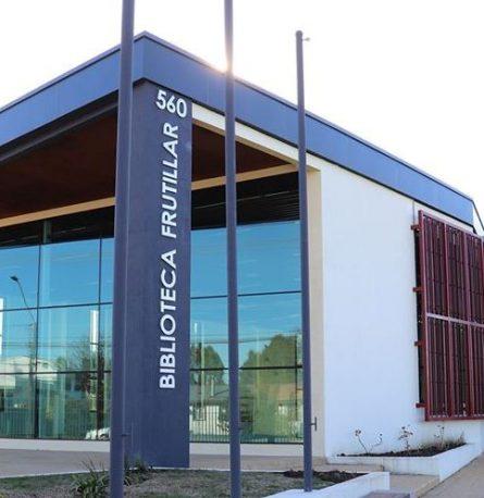 """Biblioteca  Municipal:""""POR UN VERANO ENTRETENIDO Y CULTURAL""""."""