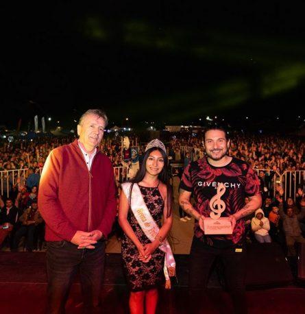 """Humor y música marcan exitosa primera noche del Festival """"Frutillar, Aquí se Vive el Verano 2020"""""""